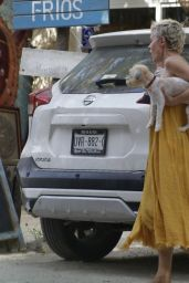 Rose McGowan - Out in Tulum 08/03/2021