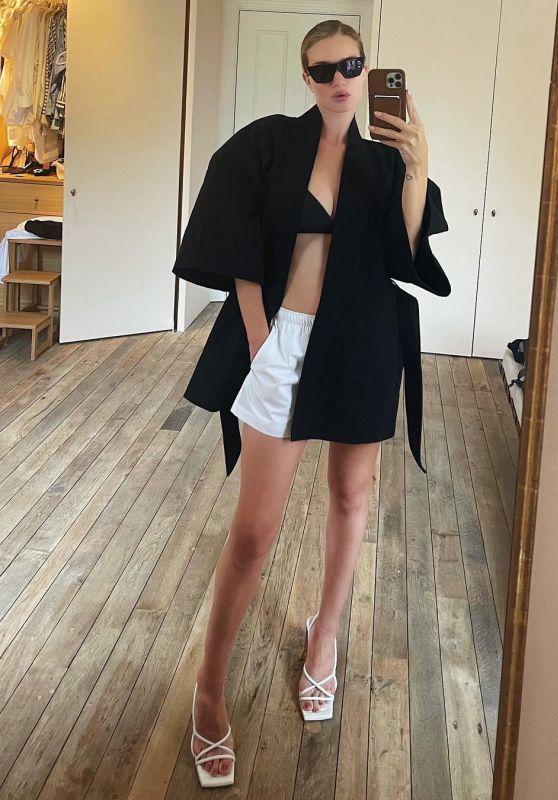 Rosie Huntington-Whiteley Outfit 08/03/2021 (II)