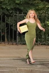 """Sabrina Carpenter - Shooting a Music Video for """"Skinny Dipping"""" in NYC 08/27/2021"""