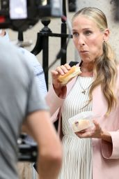 """Sarah Jessica Parker – """"And Just Like That"""" Set at The Astor House in New York 08/09/2021"""