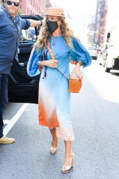 """Sarah Jessica Parker - """"And Just Like That"""" Set in Soho, Manhattan 08/26/2021"""