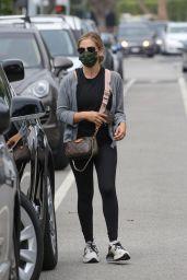 Sarah Michelle Gellar - Out in Santa Monica 08/04/2021