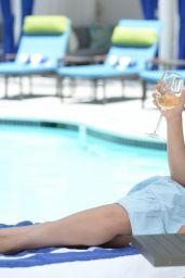 Sarah Michelle Gellar - Pure Bright Wine June 2021