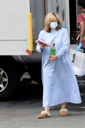 """Sarah Paulson as Linda Tripp on the Set of """"American Crime Story: Impeachment"""" - Los Angeles 08/11/2021"""