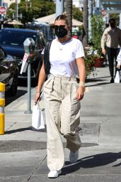 Sofia Richie - Shopping in Beverly Hills 08/05/2021