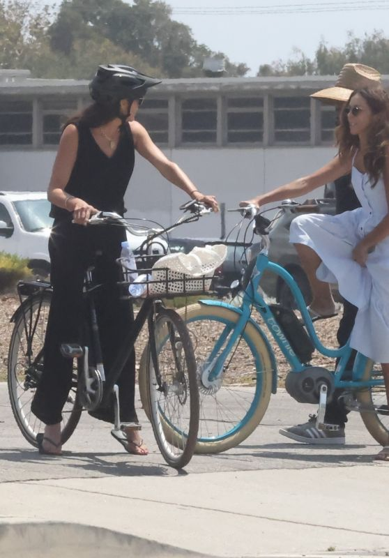 Terri Seymour and Lauren Silverman - Bike Ride in Malibu 08/22/2021