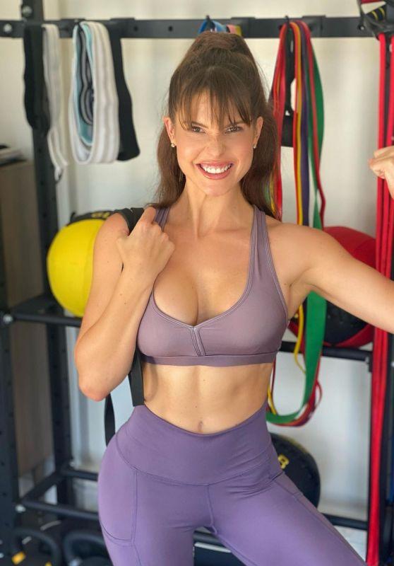 Amanda Cerny - Live Stream Video and Photos 09/08/2021