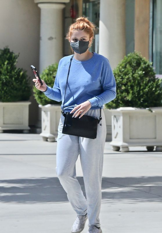 Ariel Winter in Casual Outfit - Los Angeles 09/02/2021