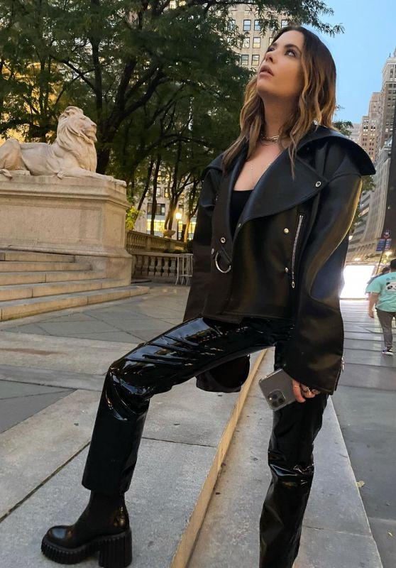 Ashley Benson Outfit 09/12/2021