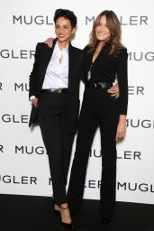 """Carla Bruni - """"Thierry Mugler : Couturissime"""" Photocall in Paris 09/28/2021"""