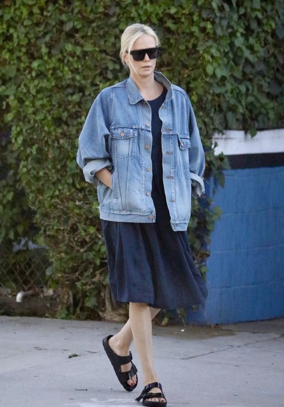 Charlize Theron - Out in Los Angeles 09/21/2021