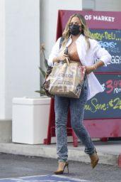 Chrissy Teigen Street Style - Los Angeles 09/22/2021