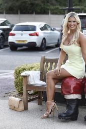 Christine McGuinness - Housing Units Autumn Showcase, Christmas Preview in Manchester 09/08/2021