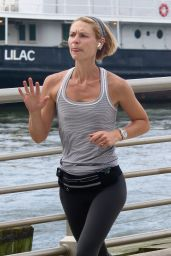 Claire Danes - Early Morning Jog in NYC 09/23/2021