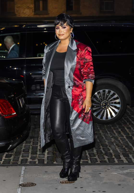 Demi Lovato - Out in New York City 09/28/2021