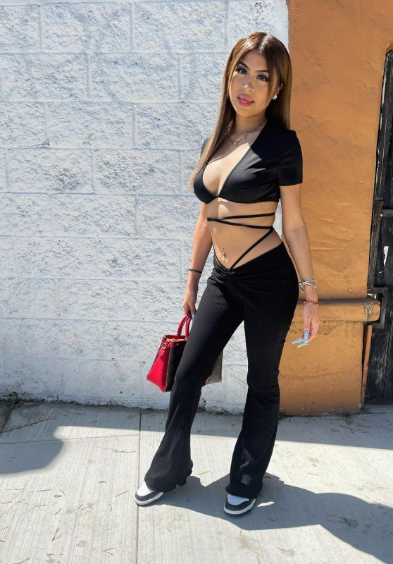 Desiree Montoya - Live Stream Video and Photos 09/28/2021