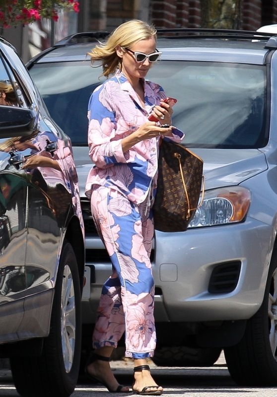 Diane Kruger - Out in East Greenwich, Rhode Island 09/13/2021