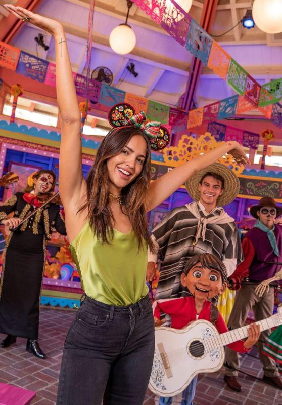 Eiza Gonzalez - Disneyland in Anaheim 09/24/2021