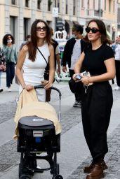 Emily Ratajkowski Street Style - Out in Milan 09/25/2021