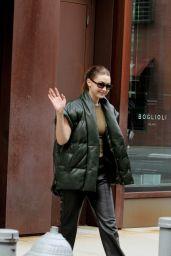 Gigi Hadad - Leaving Her Apartment in New York 09/12/2021