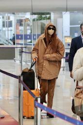 Gigi Hadid at Paris-Charles de Gaulle Airport 09/27/2021
