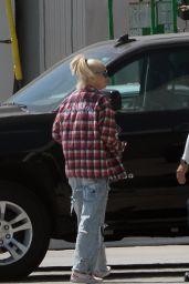 Gwen Stefani - Arriving in LA via Private Jet 09/06/2021