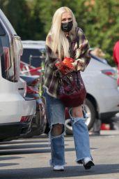 Gwen Stefani - Shopping in Los Angeles 09/26/2021