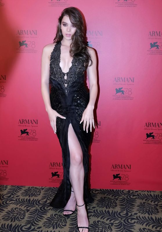 Hailee Steinfeld – Armani Dinner at the 78th Venice Film Festival 09/04/2021