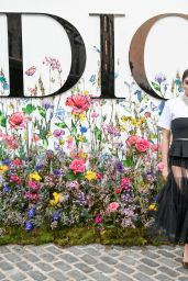 Hailee Steinfeld – Dior Beauty Celebrates Miss Dior Event in New York 09/12/2021
