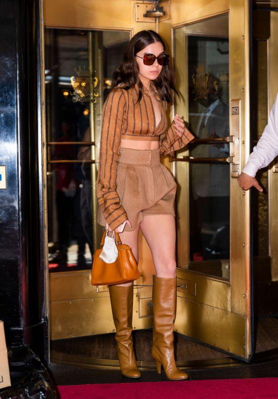 Hailee Steinfeld is Stylish - New York City 09/14/2021