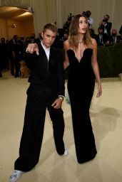 Hailey Rhode Bieber – 2021 Met Gala