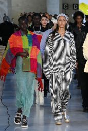 Irina Shayk - Backstage of the Max Mara Fashion Show in Milan 09/23/2021