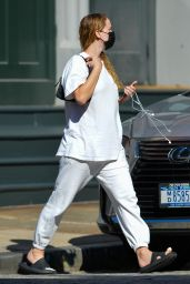 Jennifer Lawrence - Out in New York City 09/27/2021