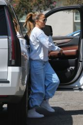 Jennifer Lopez in Comfy Outfit - Los Angeles 09/17/2021