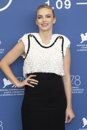 """Jodie Comer - """"The Last Duel"""" Photocall at the 78th Venice International Film Festival"""