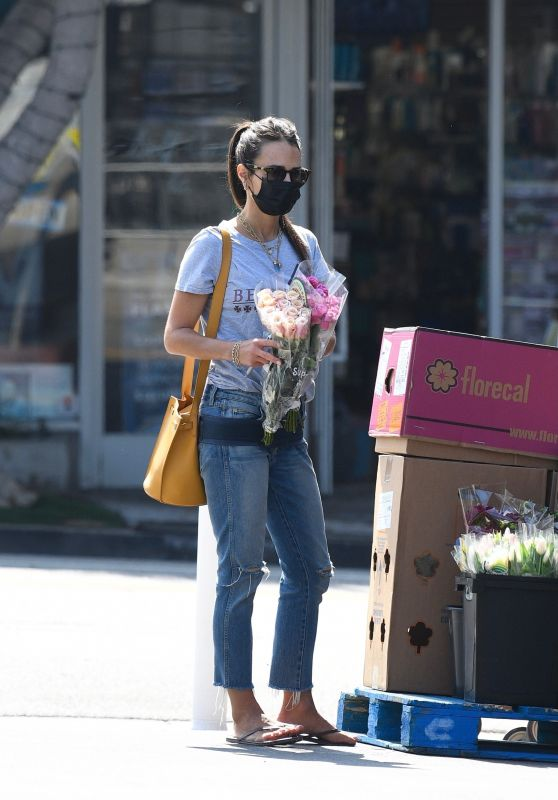 Jordana Brewster - Out in Brentwood 09/08/2021