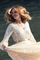 Julia Roberts - Films a Commercial for Lancome in Paris 09/17/2021