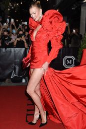 Karlie Kloss – Celebrities Departing The Mark Hotel in NYC for the 2021 Met Gala
