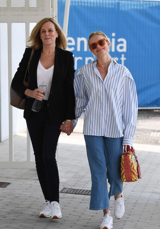 Kate Bosworth and Her Mother - Venice 08/31/2021