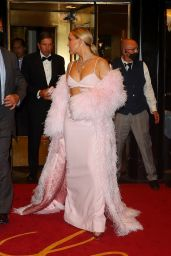 Kate Hudson - Leaves the Carlyle Hotel for the Met Gala in NYC 09/13/2021