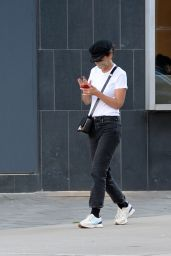 Katie Holmes - Leaving a Nail Salon in New York 09/11/2021
