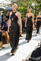 Kendall Jenner – Michael Kors Fashion Show in NYc 09/10/2021