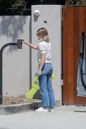 Kristen Bell - Out in Los Feliz 09/07/2021