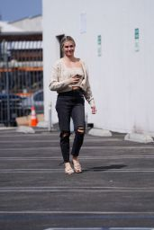 Lindsay Arnold - Out in Los Angeles 09/08/2021