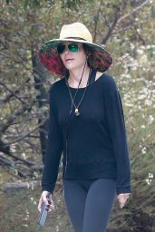 Lisa Rinna - Power Walk at TreePeople Park in Beverly Hills 09/26/2021