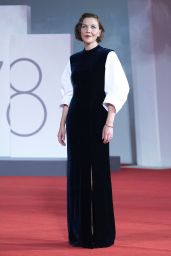 """Maggie Gyllenhaal – """"The Lost Daughter"""" Premiere at the 78th Venice International Film Festival"""