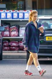 Maisie Smith - Out in Borehamwood 09/13/2021