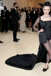 Maisie Williams – 2021 Met Gala