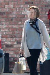 """Mandy Moore - """"This Is Us"""" Filming Set in LA 09/17/2021"""