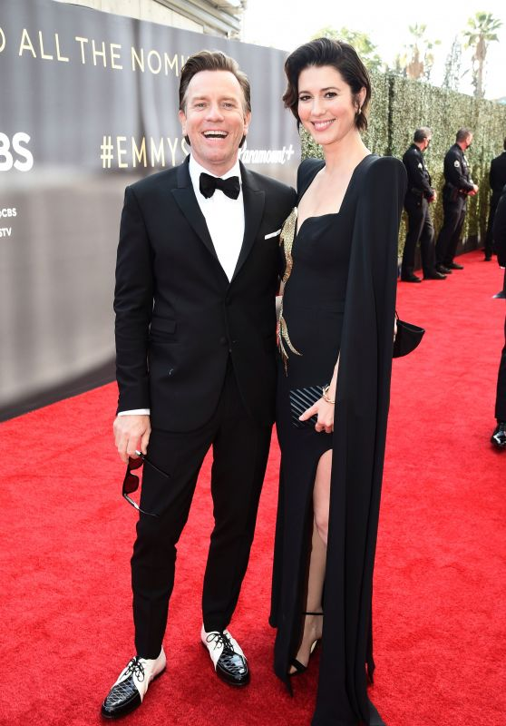 Mary Elizabeth Winstead - Emmy Awards 2021